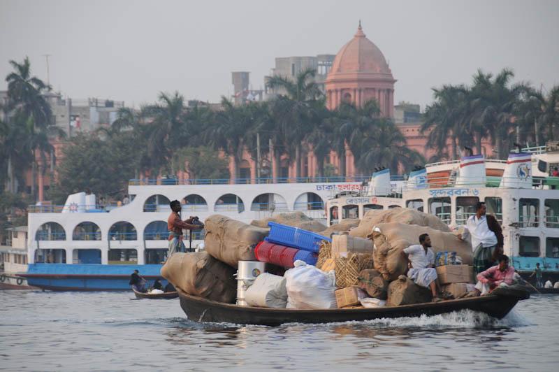 Buriganga-Fluss, river, Old Dhaka, Ahsan-Manzil-Palast, Bangladesch, Reiseberichte, Foto: Heiko Meyer, www.wo-der-pfeffer-waechst.de