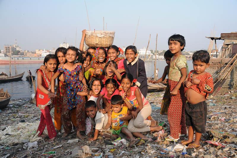 Kinder, South Dhaka, Bangladesch, Reiseberichte, Foto: Heiko Meyer, www.wo-der-pfeffer-waechst.de