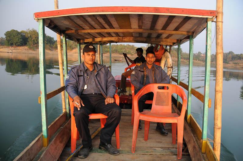 Rangamati, Chittagong Hill Tracts, Kaptai lake, See, Boot, boat, Polizei, police, Bangladesch, Reiseberichte, Foto: Heiko Meyer, www.wo-der-pfeffer-waechst.de