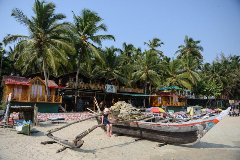 Reisen mit Kindern, Palolem Beach, Goa, Strände, Strand, Südgoa, Indien, India, Fischerboot, Südasien, Bilder, Fotos, Reiseberichte, Foto: Heiko Meyer, www.wo-der-pfeffer-waechst.de