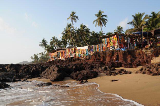 Anjuna Beach, Anjuna Flohmarkt, fleamarket, Goa Beach Guide, die schönsten Strände von Norden nach Süden, Strand, best beaches, Nordgoa, Südgoa, Indien, India, Beach-Hopping, Reisen mit Kindern, Indien mit Kindern, Südasien, Bilder, Fotos, Reiseberichte, www.wo-der-pfeffer-waechst.de