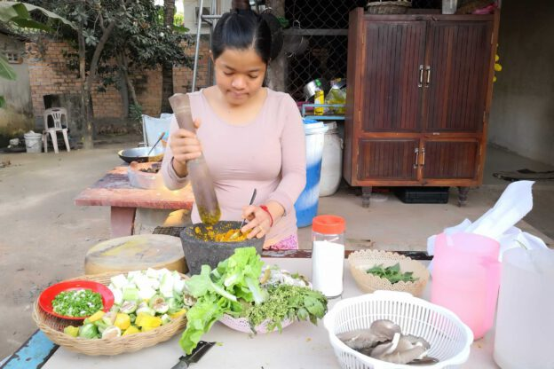 Dine With The Locals, Kambodscha, vegetarisches Essen, Küche, Rezepte, Khmer-Food, Krueng-Paste, Sarath, Siem Reap, www.wo-der-pfeffer-waechst.de