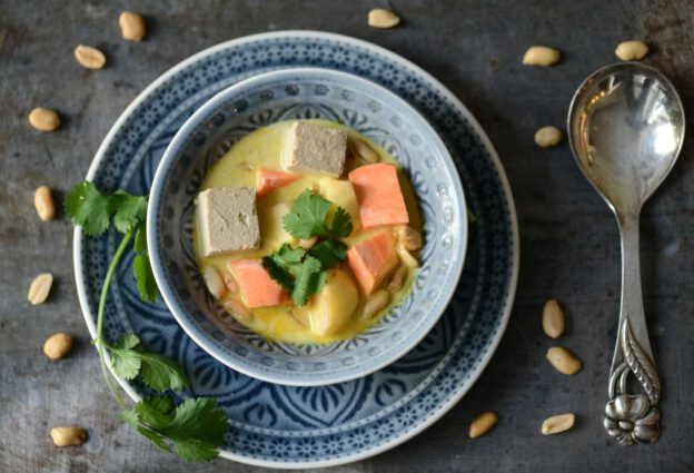 Massaman-Curry, Rezepte, Thailand, vegetarisches, veganes, Kaeng Masaman, thailändisches, Kochen, Gerichte, Speisen, Essen, Zutaten, Küche, Reise- und Food-Blog, www.wo-der-pfeffer-waechst.de