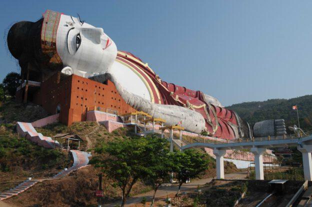 Mudon, liegender Buddha, giant, Myanmar, Burma, Birma, Mawlamyine, Moulmein, Reiseberichte, www.wo-der-pfeffer-waechst.de