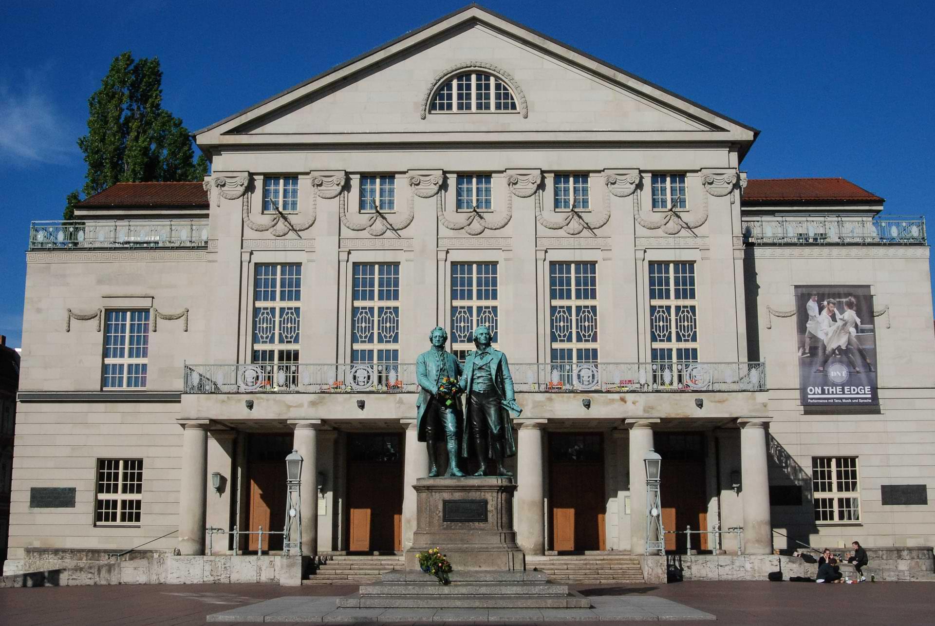 Weimar, Goethe-Schiller-Denkmal, Nationaltheater, Theaterplatz, Sehenswürdigkeiten, Städtetrip, Reisebericht, Deutschland, Thüringen, www.wo-der-pfeffer-waechst.de