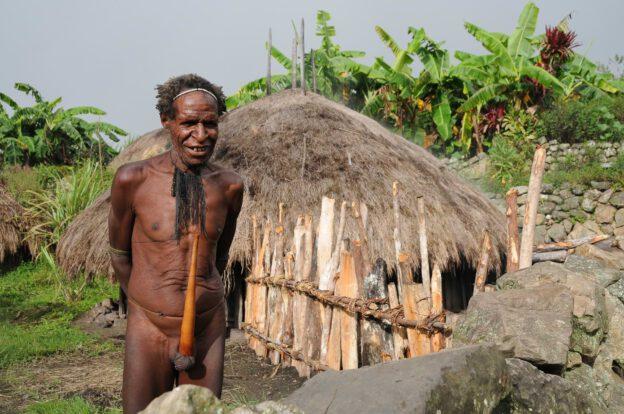 Baliem-Tal, West-Papua, Reisebericht, Wamena, valley, Trekking, Tour, Indonesien, Koteka, Penisrohr, www.wo-der-pfeffer-waechst.de