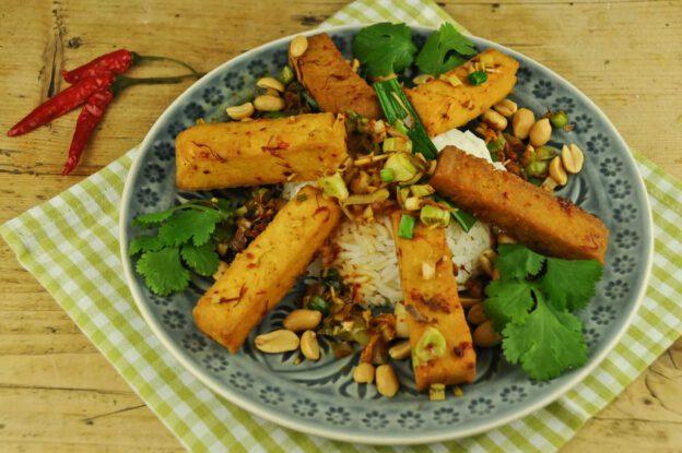 Frittierter Tofu mit Zitronengras und Chili, vietnamesisches Rezept, Kochen, Gerichte, Essen, Zutaten, vegetarisches, veganes, Küche, www.wo-der-pfeffer-waechst.de