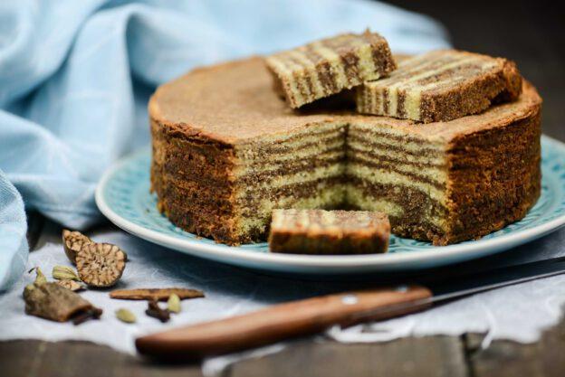 Kue Lapis Legit, Rezept, indonesischer Schichtkuchen, Indonesien, Kochen, Süßspeisen, vegetarische, Speisen, Essen, Zutaten, Küche, www.wo-der-pfeffer-waechst.de