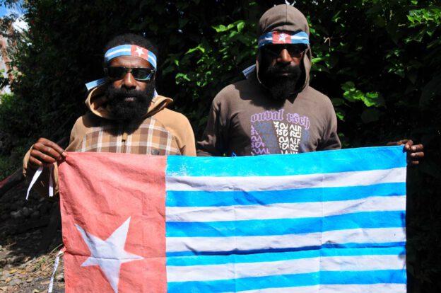 OPM-Rebellen, West-Papua, Flagge, Indonesien, Organisasi Papua Merdeka, Unabhängigkeit, Reisebericht, www.wo-der-pfeffer-waechst.de