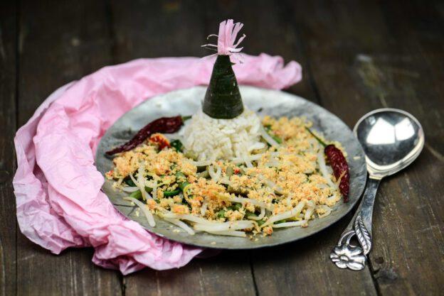Urap-Urap, Rezept, Indonesien, warmer Gemüsesalat mit Kokossambal, Zutaten, Gerichte, Speisen, Essen, indonesisches, vegetarisch, vegan, www.wo-der-pfeffer-waechst.de